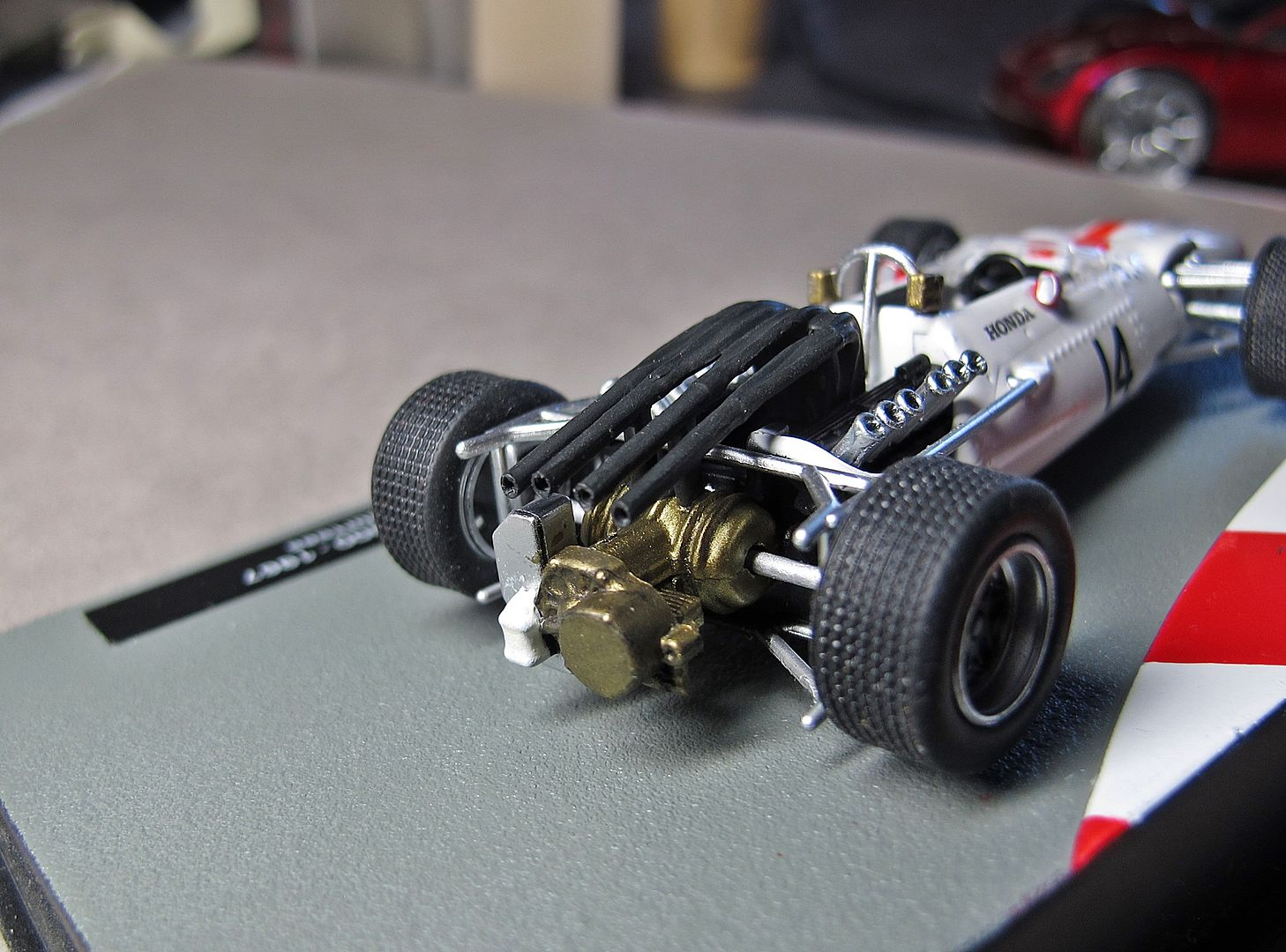 Formula 1 №10 - Honda RA 300 Джон Сёртис (1967)
